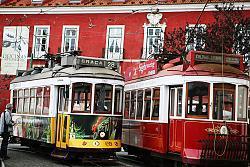 Jak podróżować po Portugalii